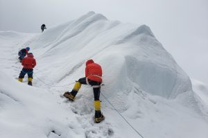 Climbing fixed lines on Cho Oyu