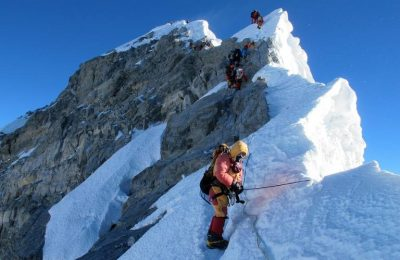 Everest on Speed: UK Guide Promises Summit in 42 Days